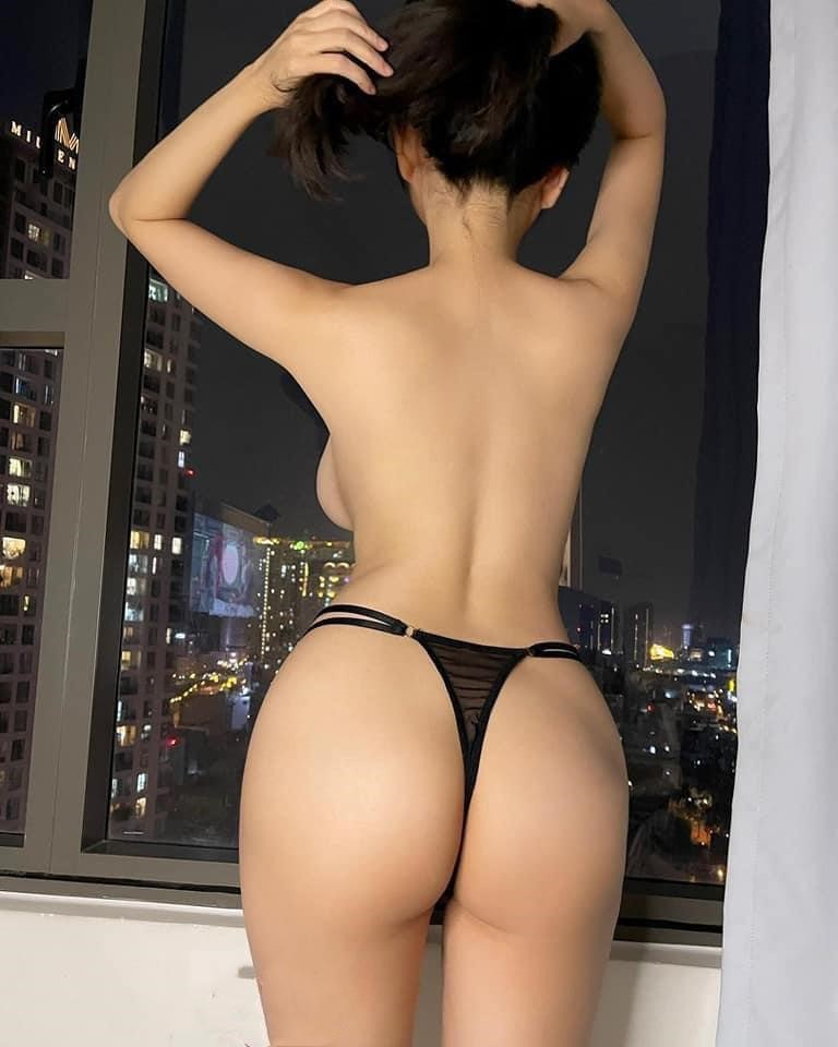 cambodia outcall girl eva 18 years old